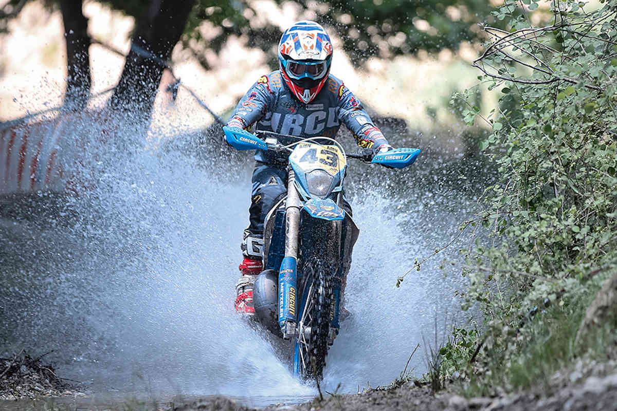 Results: EnduroGP of Italy 2019 day 1 – McCanney wins by 0.6s