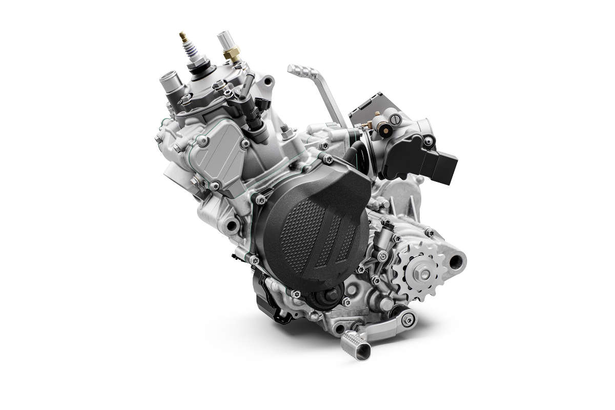 ktm_150_exc_tpi_my2020_engine_left_560