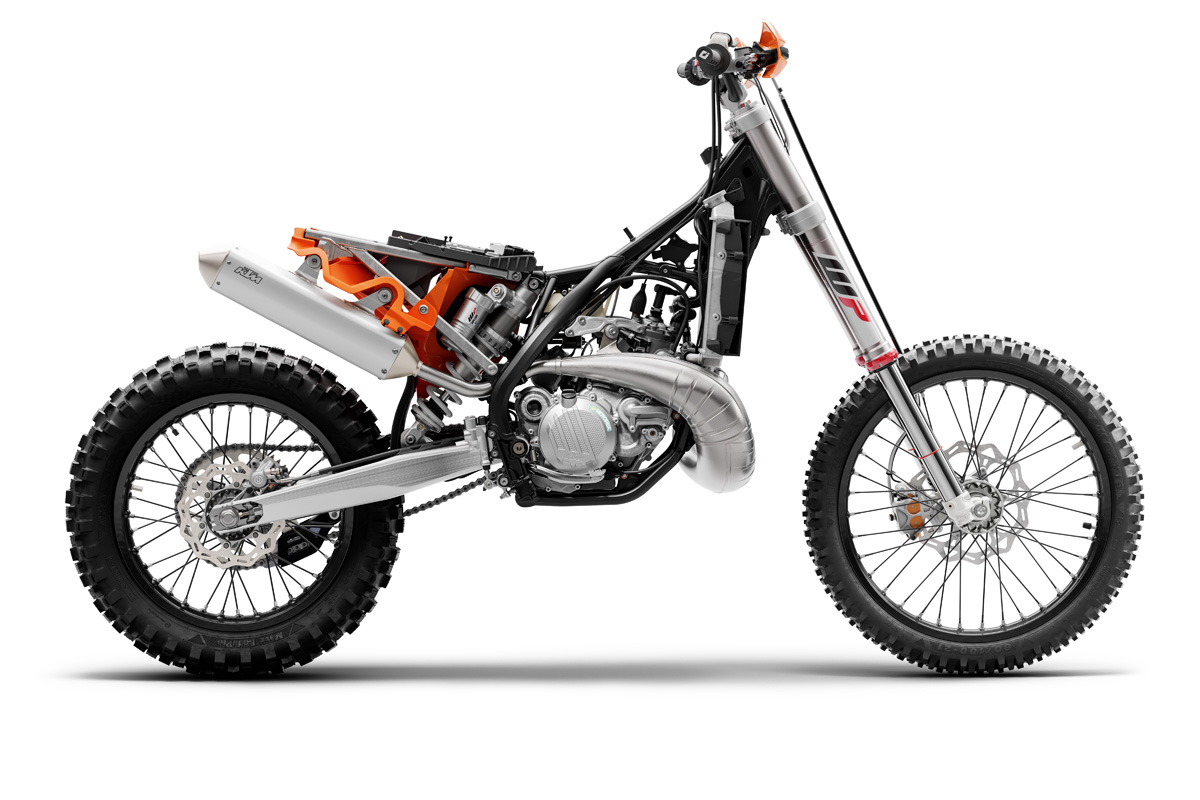 ktm_300-exc-tpi-2021-stripped_560