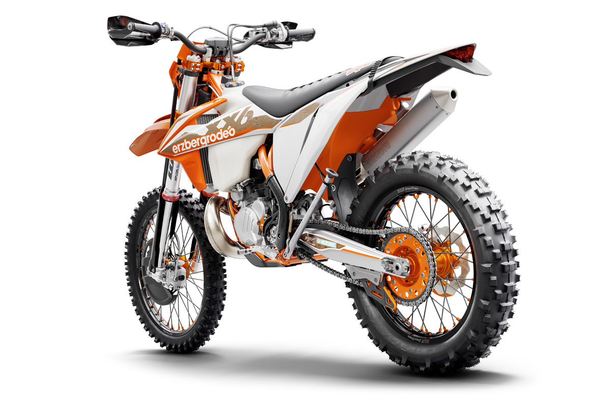 ktm_300-exc-tpi-erzberg-rodeo_l_side_my21_560