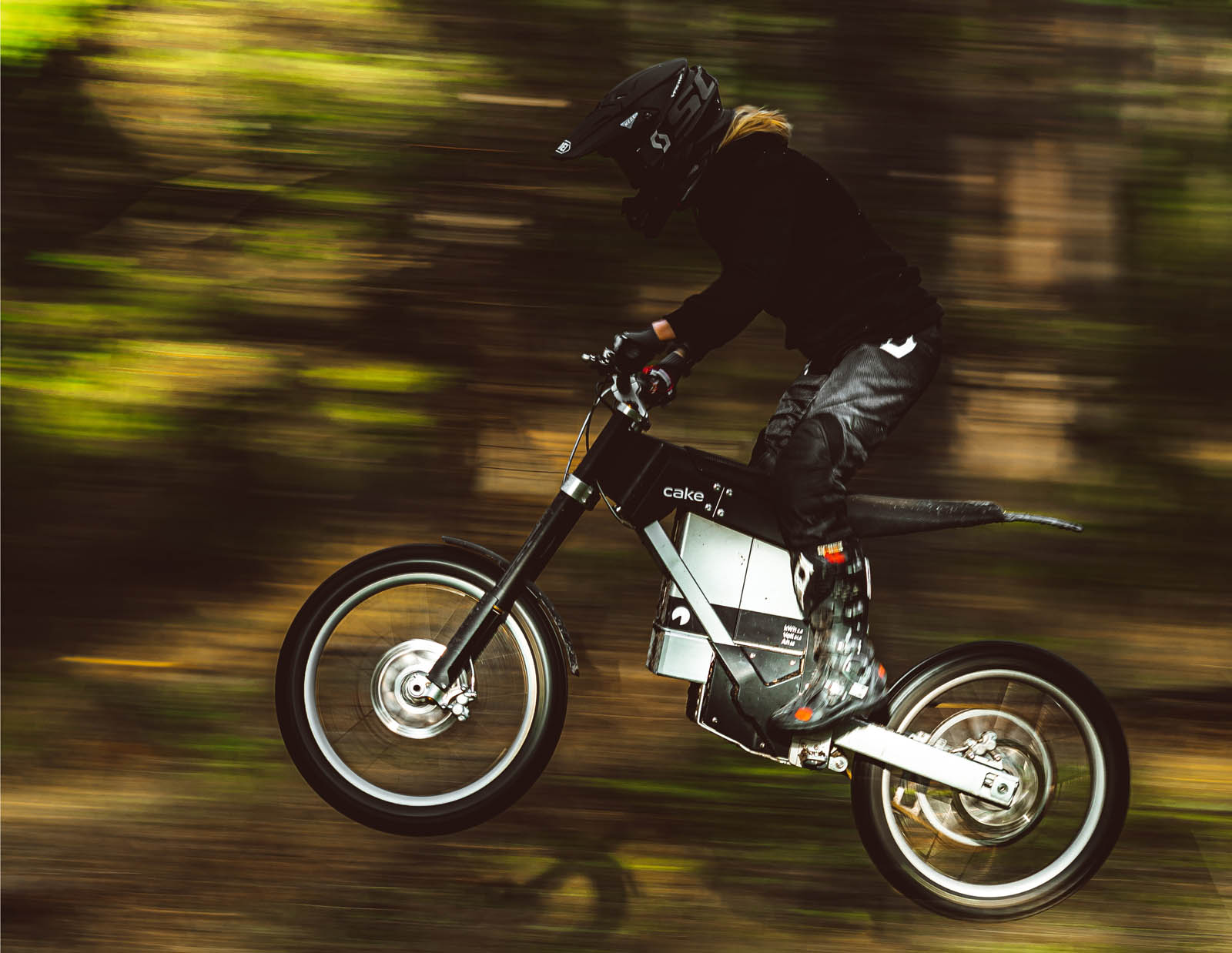 First look: Off-road electric motorcycle or e-bike? CAKE blur the lines