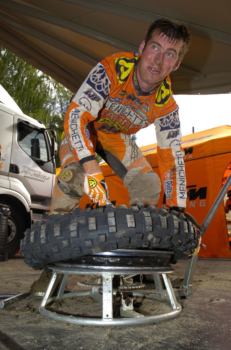 david_knight_enduro-wch-heinola_-finland_2005