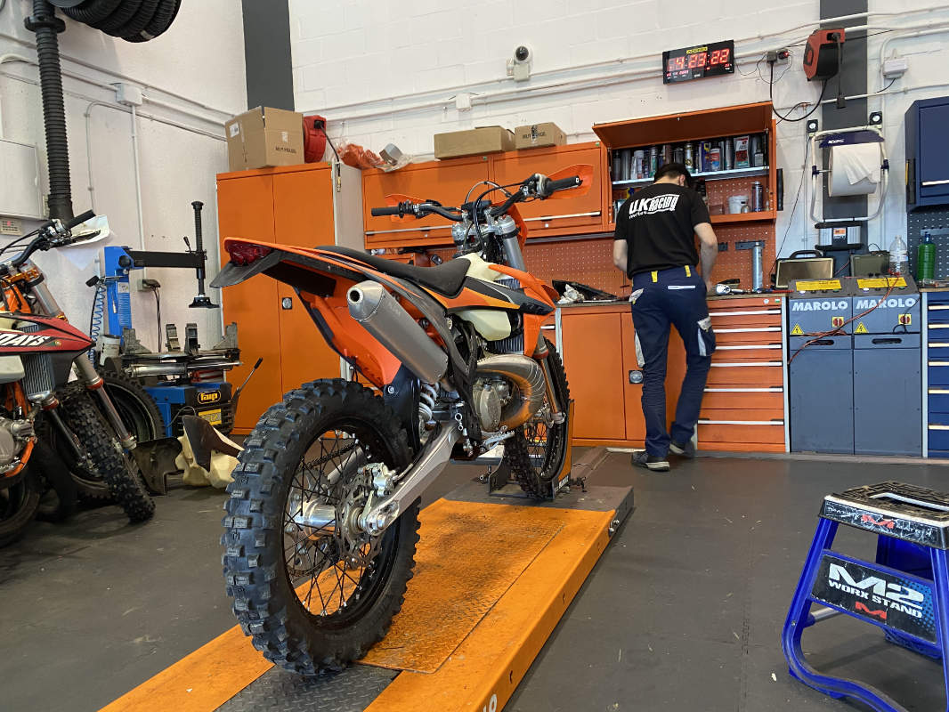 What happens at a KTM TPI two-stroke first service?